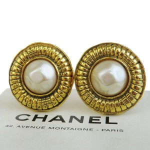 Chanel Gold Cc Logos Imitation Pearl Gold-tone Clip-on Earrings