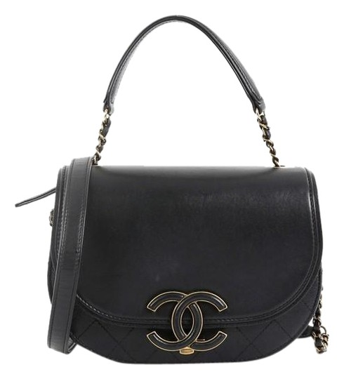 Preload https://img-static.tradesy.com/item/25975139/chanel-coco-curve-flap-calfskin-and-quilted-small-black-goat-skin-leather-messenger-bag-0-1-540-540.jpg
