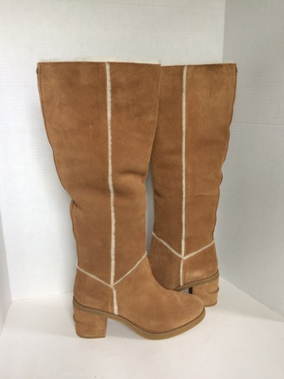 UGG Australia New With Tags New In Box Chestnut / Tan Boots Image 3