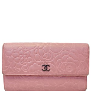 Chanel CHANEL CAMELLIA LEATHER TRIFOLD WALLET PINK