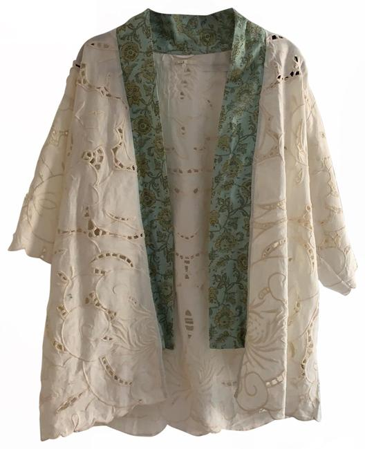 Item - Cream/Tapestry Kimono Cut-out Poncho/Cape Size OS (one size)