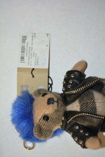 Burberry NWT BURBERRY THOMAS PUNK KEY CHARM KEY RING CHECK CASHMERE Image 4