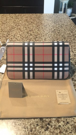 Burberry NWT Burberry Wallet Image 8