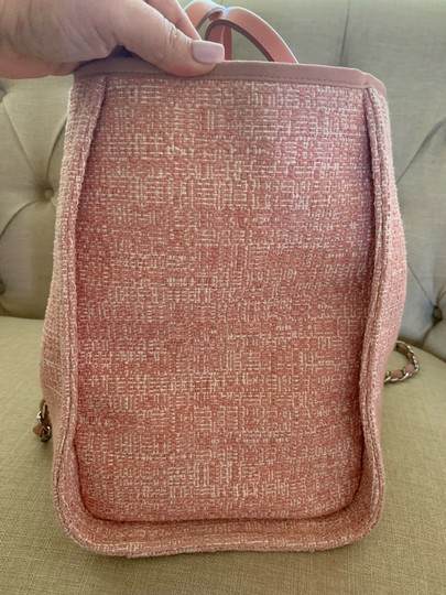 Chanel Tote in Pink Image 5