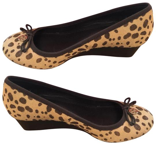 Preload https://img-static.tradesy.com/item/25979319/tory-burch-cheetah-chelsea-wedges-size-us-75-regular-m-b-0-2-540-540.jpg