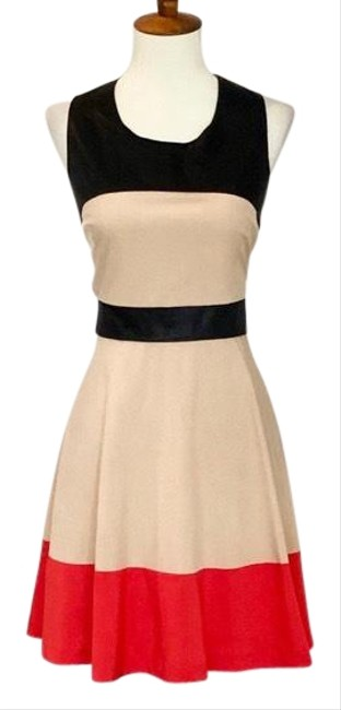 Preload https://img-static.tradesy.com/item/25979327/alice-moon-tan-collection-color-block-fit-and-flare-short-casual-dress-size-8-m-0-2-650-650.jpg
