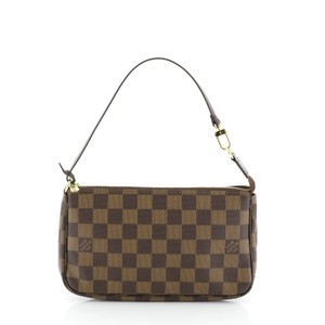 Louis Vuitton Accessoires Damier Pochette Wristlet in brown