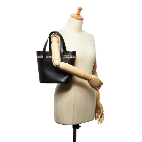 Burberry 9hbuto007 Vintage Leather Tote in Black Image 7