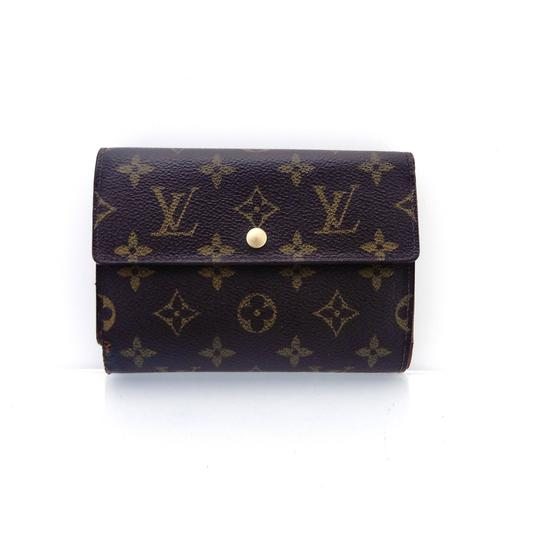 Preload https://img-static.tradesy.com/item/25982860/louis-vuitton-brown-clutch-continental-monogram-canvas-leather-trifold-wallet-0-0-540-540.jpg