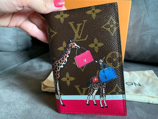 Louis Vuitton New limited edition passport cover Image 2