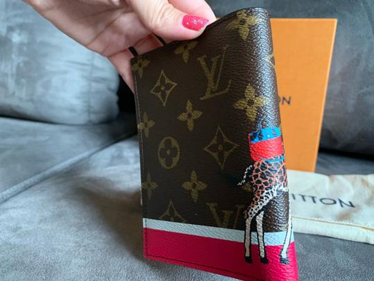 Louis Vuitton New limited edition passport cover Image 7