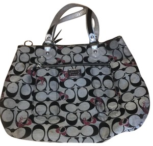 Coach Tote in black, gray and pinkish red
