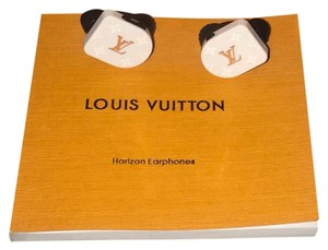 Louis Vuitton QAB030