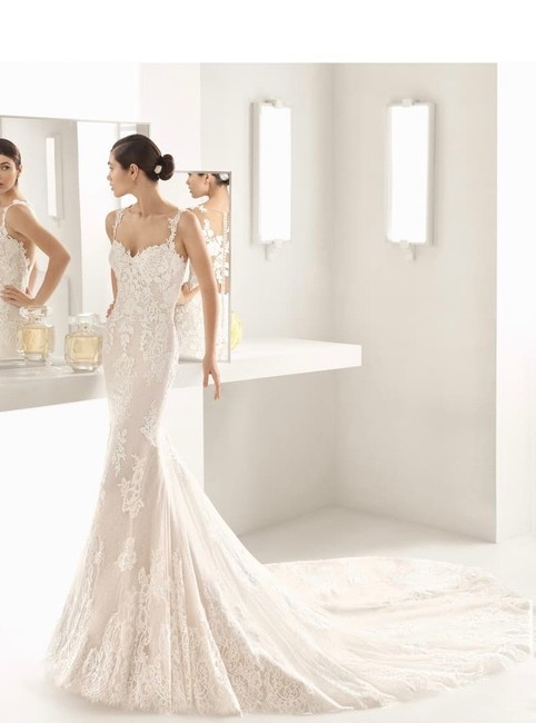 Item - Natural Oboe Sleeveless Lace Gown Modern Wedding Dress Size 10 (M)