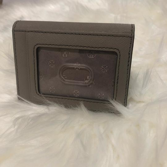 Tory Burch credit card holder Image 2