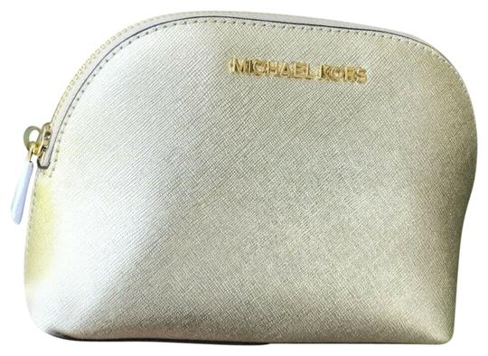 Preload https://img-static.tradesy.com/item/25989588/michael-kors-gold-jet-set-large-travel-pouchcosmetic-cosmetic-bag-0-2-540-540.jpg