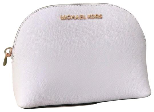 Preload https://img-static.tradesy.com/item/25989618/michael-kors-blossom-jet-set-large-travel-pouchcosmetic-cosmetic-bag-0-2-540-540.jpg