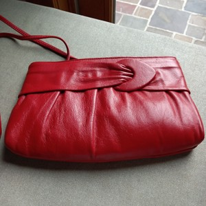 Ande' Red Clutch