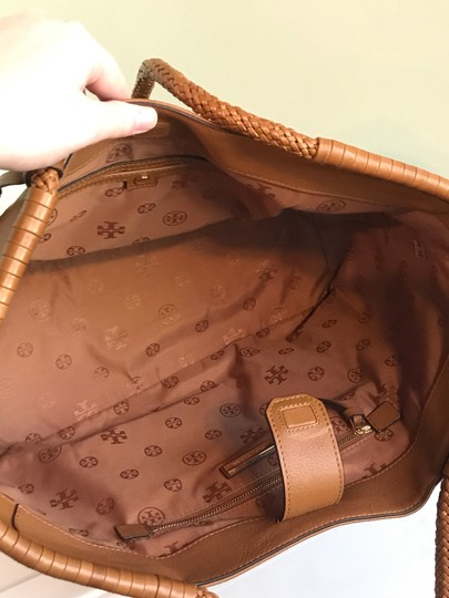 Tory Burch Tote in Saddle Image 5