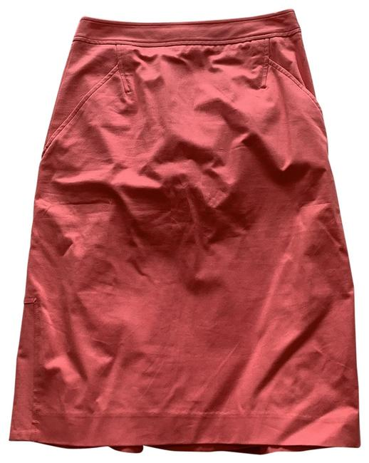 Item - Pink Pencil with Ruffle Back Skirt Size 2 (XS, 26)