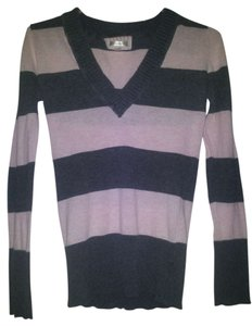 Aeropostale V-neck Striped Gray Sweater