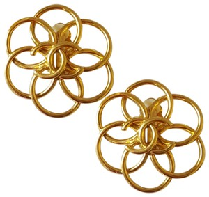 Chanel CHANEL Camellia Vintage Earrings ULTRA RARE Clip On Gold Plated