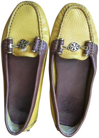 Preload https://img-static.tradesy.com/item/25992890/tory-burch-yellow-flats-size-us-8-regular-m-b-0-2-540-540.jpg