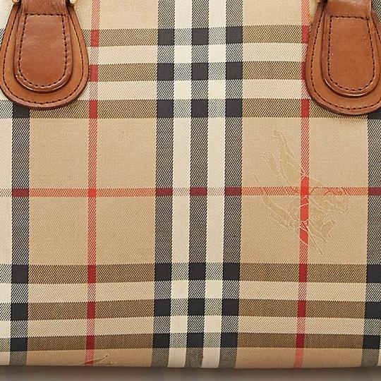 Burberry 9hbubo007 Vintage Canvas Leather Shoulder Bag Image 10