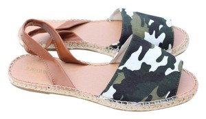 Bamboo tan, camouflage Sandals