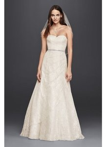 David's Bridal Cream Lace All A Line Formal Wedding Dress Size 6 (S)