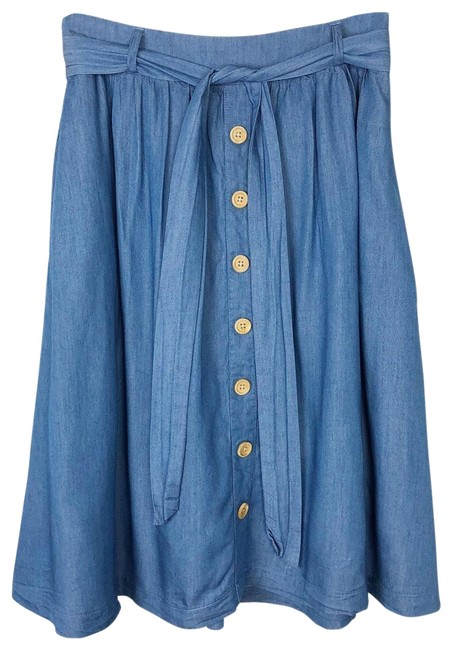 Preload https://img-static.tradesy.com/item/25993986/modcloth-blue-elastic-waist-chambray-skirt-size-8-m-29-30-0-2-650-650.jpg