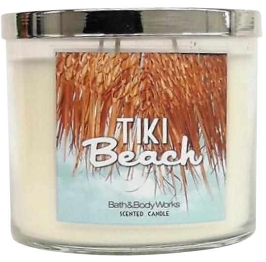 Preload https://img-static.tradesy.com/item/25994586/bath-and-body-works-tiki-beach-and-3-wick-scented-candle-145-oz-new-fragrance-0-1-540-540.jpg