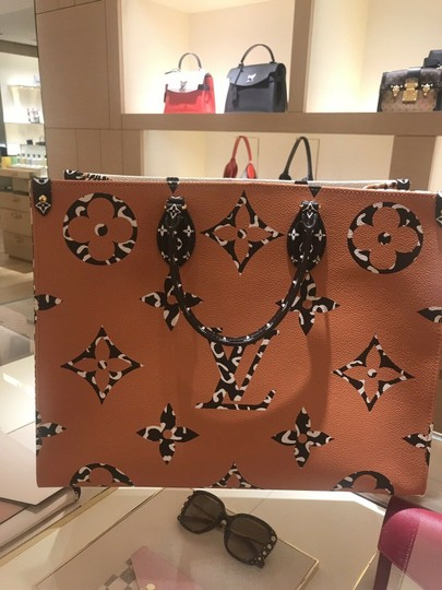Louis Vuitton Jungle Limited Rare Virgil Fw19 Tote in White Image 1
