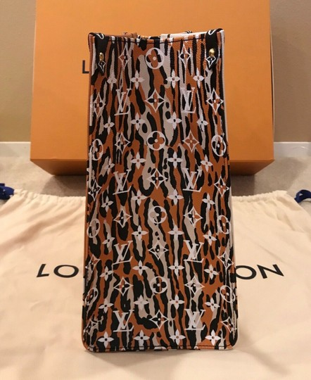 Louis Vuitton Jungle Limited Rare Virgil Fw19 Tote in White Image 5