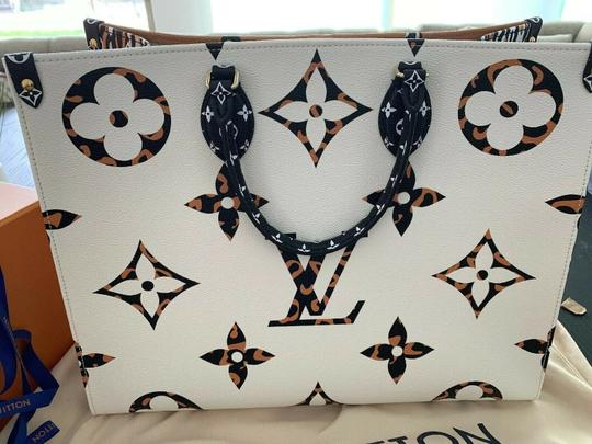 Louis Vuitton Jungle Limited Rare Virgil Fw19 Tote in White Image 7