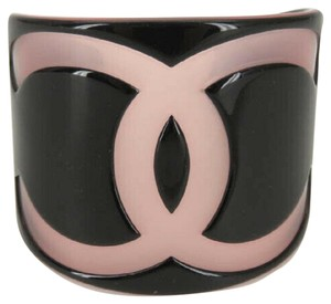 Chanel AUTH CHANEL 01P CC BLACK PINK PLASTIC BANGLE