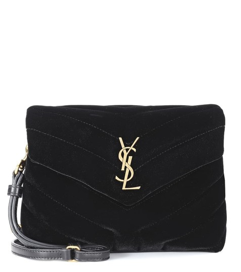 Preload https://img-static.tradesy.com/item/25996071/saint-laurent-monogram-loulou-toy-black-velvet-cross-body-bag-0-0-540-540.jpg