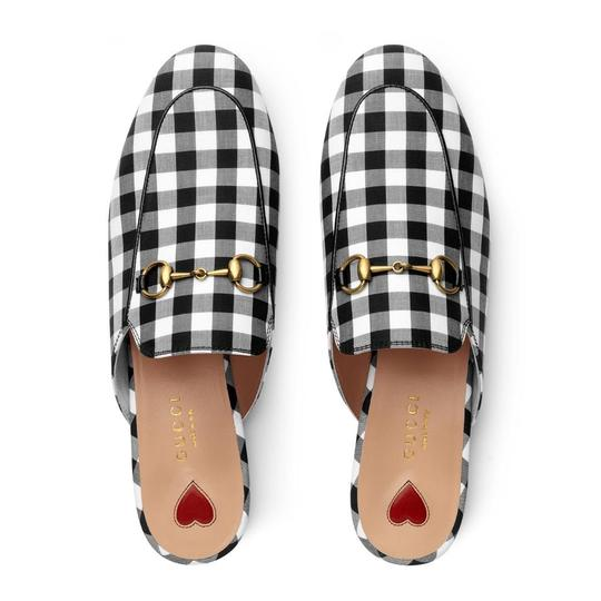 Preload https://img-static.tradesy.com/item/25996752/gucci-black-and-white-gingham-princetown-mulesslides-size-us-95-regular-m-b-0-0-540-540.jpg