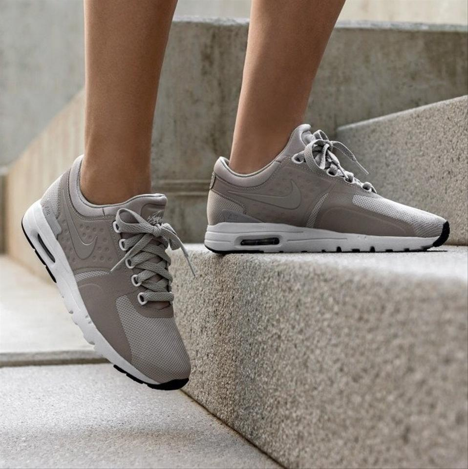 Nike Women's Air Max Zero Cobblestone Delivers The Lightweight Cushioning That Made The Air Max An Icon. Sneakers Size US 7.5 Narrow (Aa, N) 27% off