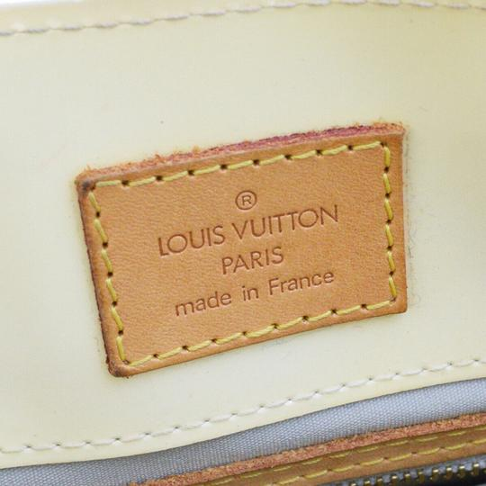 Louis Vuitton Tote in Perle Image 10