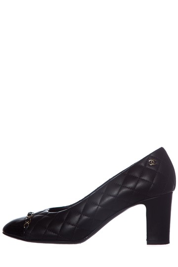 Preload https://img-static.tradesy.com/item/25997338/chanel-black-quilted-leather-pumps-size-eu-385-approx-us-85-regular-m-b-0-0-540-540.jpg