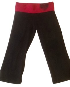 Victoria's Secret Capris Red/Black