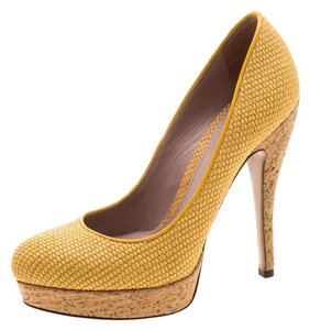 Gucci Woven Jute Leather Yellow Pumps
