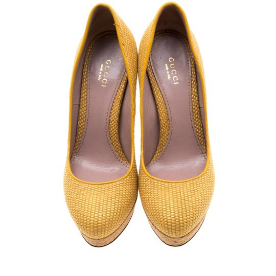 Gucci Woven Jute Leather Yellow Pumps Image 1