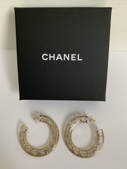 Chanel Chanel CC Logo Round Cut Out Gold Tone Classic Statement Hoop Earrings Image 5