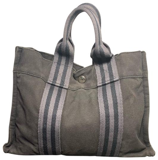 Preload https://img-static.tradesy.com/item/25998847/hermes-out-fourre-pm-satchel-grey-canvas-tote-0-3-540-540.jpg