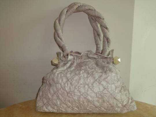 Louis Vuitton Olympe Stratus M95369 Limited Edition Tote in Ivory Image 2