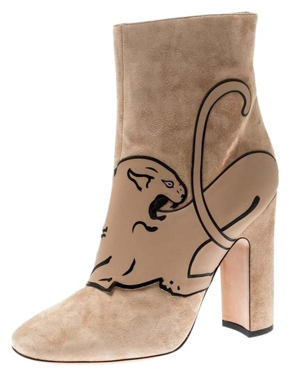 Preload https://img-static.tradesy.com/item/25999088/valentino-beige-suede-panther-ankle-bootsbooties-size-eu-41-approx-us-11-regular-m-b-0-1-540-540.jpg