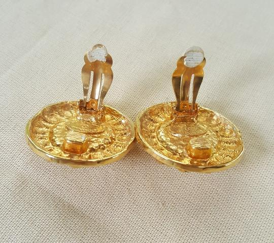 Chanel AUTHENTIC CHANEL VINTAGE GOLD TONE/PLATED FAUX PEARL CLIP ON EARRINGS Image 5