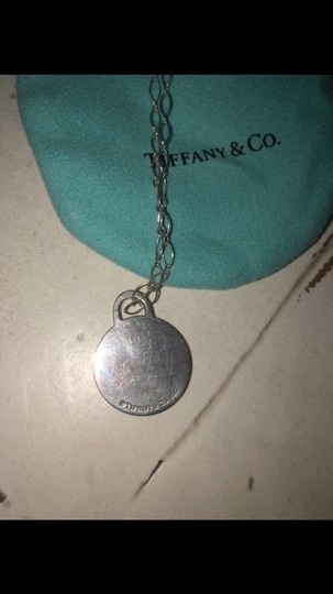 Tiffany & Co. Tiffany and Co short chain circle pendant necklace Image 2